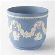 Sale 8518A - Lot 8 - An English Wedgwood blue and white jasper ware jardiniere, lion mask & grape & vine garlands, Ht: 11cm x D: 12.5cm