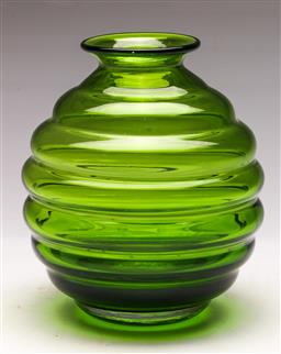 Sale 9131 - Lot 72 - Green glass beehive form vase (H:19cm)