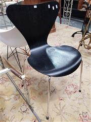 Sale 8676 - Lot 1333 - Ant Style Chair