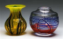 Sale 9148 - Lot 31 - Art glass vases (2), H 16cm and H 17cm)