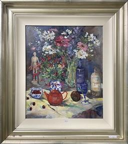 Sale 9111 - Lot 2014 - Liz Isaacs Still Life, oil on board, frame: 87 x 76 cm,  signed