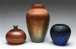 Sale 9148 - Lot 29 - A set of 3 art glass vases inc A Zulrich example (H 25cm H 13cm and H 11cm)