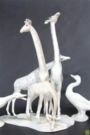 Sale 8586 - Lot 9 - Lladro Giraffe (H: 28cm) And Ducks