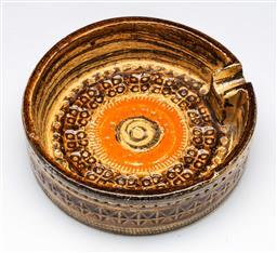 Sale 9148 - Lot 27 - Italian Erica ashtray (Dia:15.5cm)