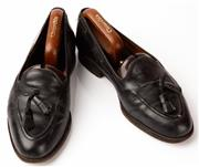 Sale 9080F - Lot 79 - A PAIR OF CESARE PACIOTTI MENS LOAFERS; in black leather, Size 8.5 (shoe last included)