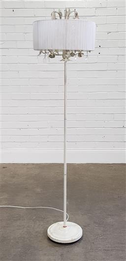 Sale 9191 - Lot 1100 - Metal chandelier style floor lamp (h164cm)