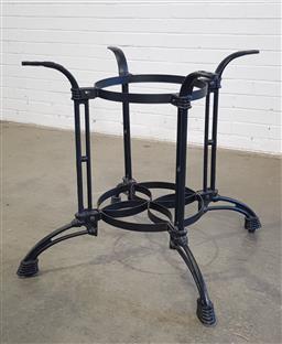 Sale 9157 - Lot 1026A - Round cast iron table base (h73cm)