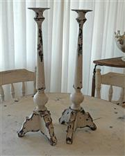 Sale 8858H - Lot 33 - Pair of Metal White Shabby Chic Candle Sticks, H 60 x W 20 x D 20 cm -