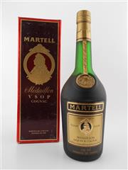 Sale 8479 - Lot 1716 - 1x Martell Medaillon VSOP Cognac - old botting in box
