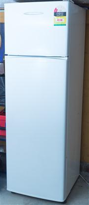 Sale 8575H - Lot 86 - A Fisher & Paykel Fridge & Freezer H: 162cm W: 52cm D: 54cm
