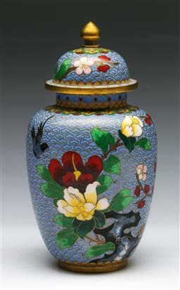 Sale 9144 - Lot 15 - Cloisonne urn with floral and bird decorations (H:22cm) - chip to base - together with a pair of small cinnabar style vases (H:10cm)