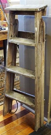 Sale 8320 - Lot 903 - 1940s Painters stepladder