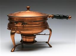 Sale 9156 - Lot 69 - A copper stove (H:25cm L:41cm)