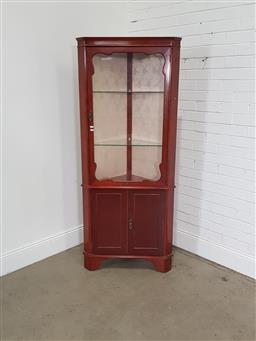 Sale 9191 - Lot 1014 - Mahogany corner display cabinet (h:187 x w:75cm)