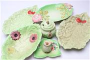 Sale 8725 - Lot 85 - Collection Of Leaf Dishes And Sugars Including Cartonware