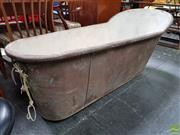 Sale 8625 - Lot 1023 - Large Metal Vintage Bath (L: 169cm) -