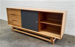 Sale 9117 - Lot 1075 - Modernist 3 Drawer Sideboard with 2 Sliding Doors (h:80 x w:180 x d:45cm)
