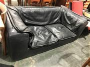 Sale 9022 - Lot 1079 - Italian Black Leather Two Seater Sofa (H:68 x W:160 x D:86cm)
