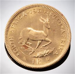 Sale 9153C - Lot 307 - SOUTH AFRICAN 1964 ONE RAND GOLD COIN; 22ct gold, size 19.34mm, wt. 4g.