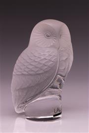 Sale 9081 - Lot 41 - A Lalique Crystal Owl (H: 9cm)