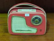 Sale 8661 - Lot 1051 - Vintage Philips Transistor Radio