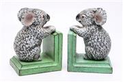 Sale 8719 - Lot 1 - A pair of painted iron koala form book ends H: 12cm W: 8cm D:9cm