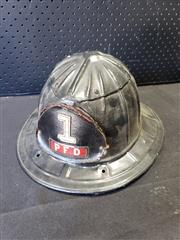 Sale 9002 - Lot 1047 - Firefighters Helmet (h:19 x w:30 x d:35cm)