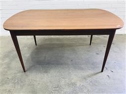 Sale 9092 - Lot 1049 - Parker Teak Dinning table (h73 x w152 x 92cm)