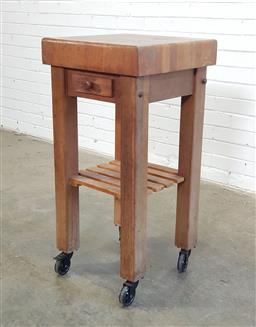 Sale 9154 - Lot 1073 - Small Kitchen island with chopping board top (h:93 x w:45 x d:45cm)