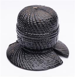 Sale 9190E - Lot 12 - A cast iron thread spool holder, Height 13cm