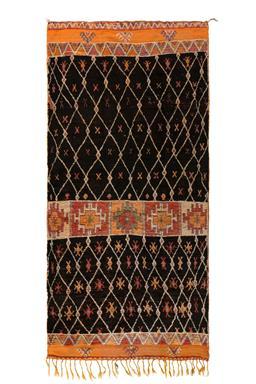 Sale 9124C - Lot 14 - Morrocan vintage berber, 135X300cm, Handspun wool