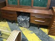 Sale 9022 - Lot 1008 - Vintage Twin Pedestal 6 Drawer Desk/Dresser