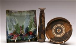 Sale 9131 - Lot 80 - Three pieces of studio potted pieces inc dish (19.5cm x 21.5cm)