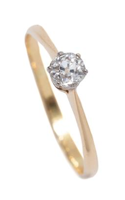 Sale 9199J - Lot 56 - AN 18CT GOLD SOLITAIRE DIAMOND RING; crown claw set with an Old mine cut diamond of approx. 0.35ct I-J, width  4.8mm, size R, wt. 1....
