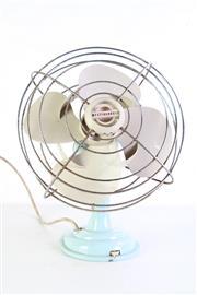 Sale 8980 - Lot 45 - Westinghouse Desk Fan (H:40cm)
