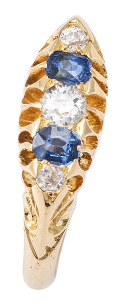 Sale 9124 - Lot 354 - AN 18CT GOLD VICTORIAN STYLE SAPPHIRE AND DIAMOND RING; belcher set with 3 Old European cut diamonds and 2 oval cut blue sapphires,...