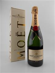 Sale 8532W - Lot 59 - 1x NV Moet et Chandon Imperial Brut, Champagne - in box
