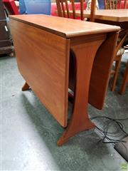 Sale 8625 - Lot 1020 - G-Plan Teak Drop Leaf Table (H: 73 L: 142 W: 91cm)