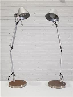 Sale 9154 - Lot 1032 - Pair of Artemide style articulating table lamps (h80cm)