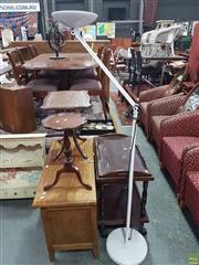 Sale 8589 - Lot 1077 - Italian Adjustable Floor Lamp