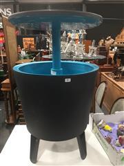 Sale 8822 - Lot 1706 - Pop Up Cooler