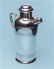 Sale 8660A - Lot 20 - An Art Deco Carrington silverplate cocktail shaker, c. 1940s, H 23cm