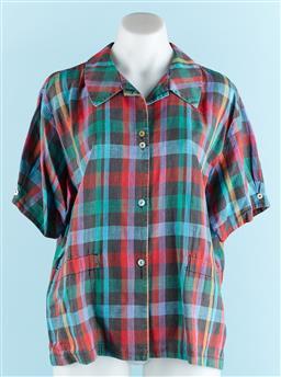 Sale 9091F - Lot 70 - A LISA HO CHECKERED SHORT SLEEVE BUTTON UP TOP; 55% linen 45% cotton, size 14